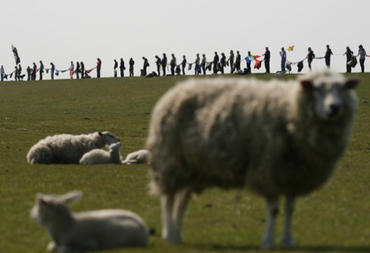 Menschenkette gegen Kohle Gemeinsam gegen Kohle (Bild: gruene.de, CC BY 3.0)
