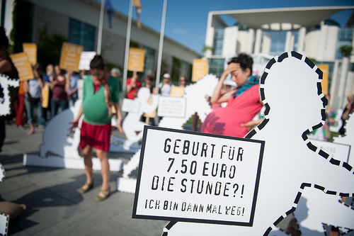 Protest für Rettet unsere Hebammen (Bild: Ruben Neugebauer / Campact, CC BY-NC 2.0)