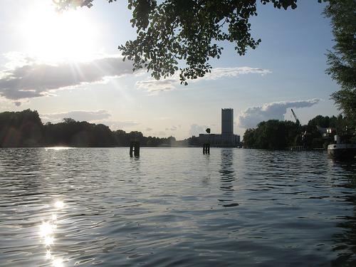 Blick auf den Rummelsburger See (Bild: jwyg, CC BY-SA 2.0)