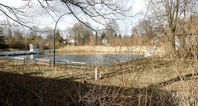 Ehemaliges Wernerbad in Berlin Marzahn-Hellersdorf (Bild: Angela M. Arnold, CC BY-SA 2.0)