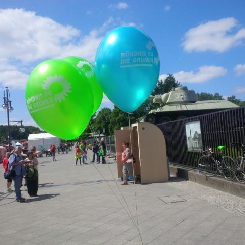 Luftballons vom Umweltfest (Bild: Heike Kähler,