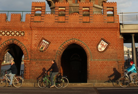Radfahrer in Berlin-Kreuzberg (Bild: Tobias Schwarz, CC BY 4.0)
