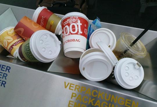 Verpackungsmüll in Berlin muss reduziert werden (Bild: Martin Ilbert, CC BY-SA 2.0)