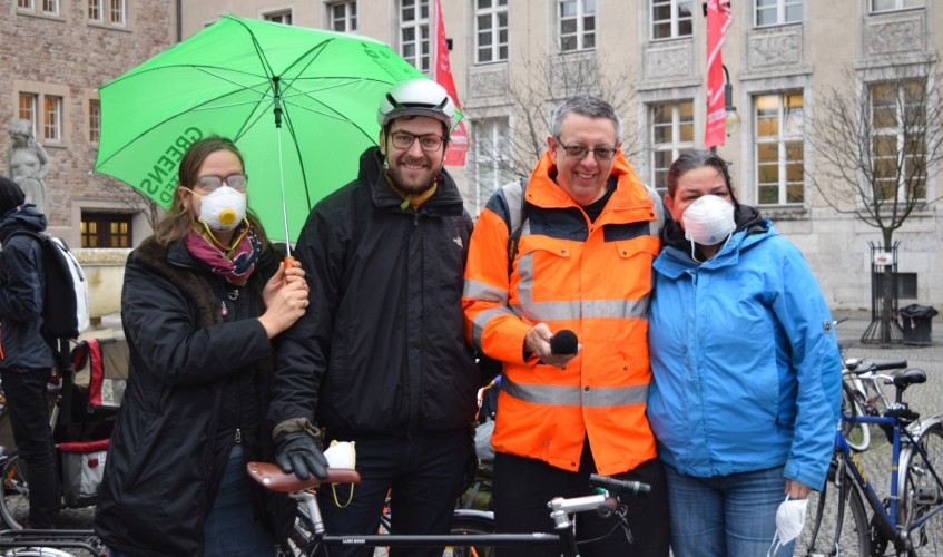 Anti-Feinstaub-Demo-Neukölln-Bild-Kremkau-Katharina-Franziska-Silke-Gebel,MdA-CC-BY-4.0