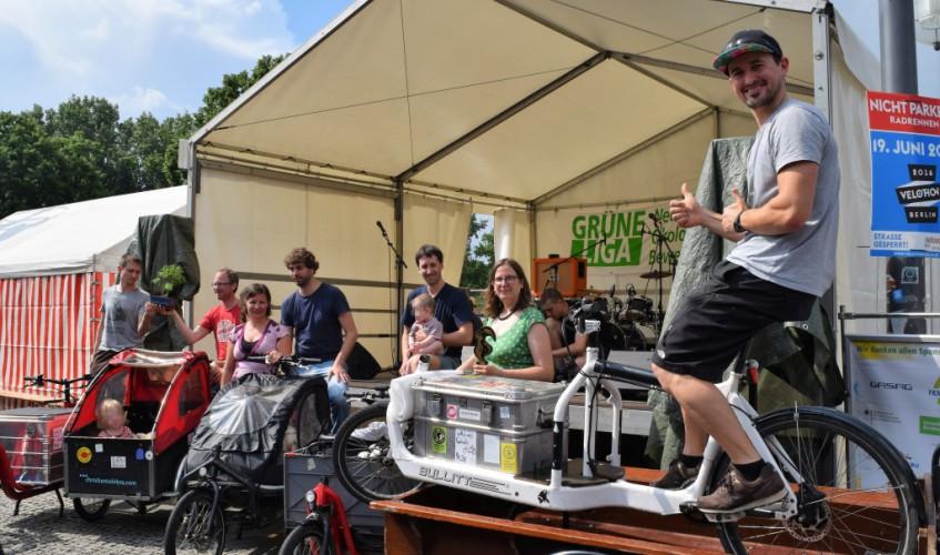"Preisverleihung ""Grüne Brise"" auf dem Umweltfestival in Berlin (Bild: Katharina-Franziska Kremkau / Silke Gebel, MdA; CCBY4.0)"