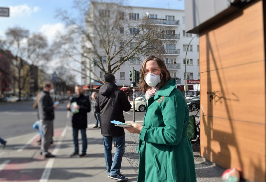 Luftreinhalte Aktion in Moabit (Bild: Katharina-Franziska Kremkau / Silke Gebel, MdA;, CC BY 4.0)