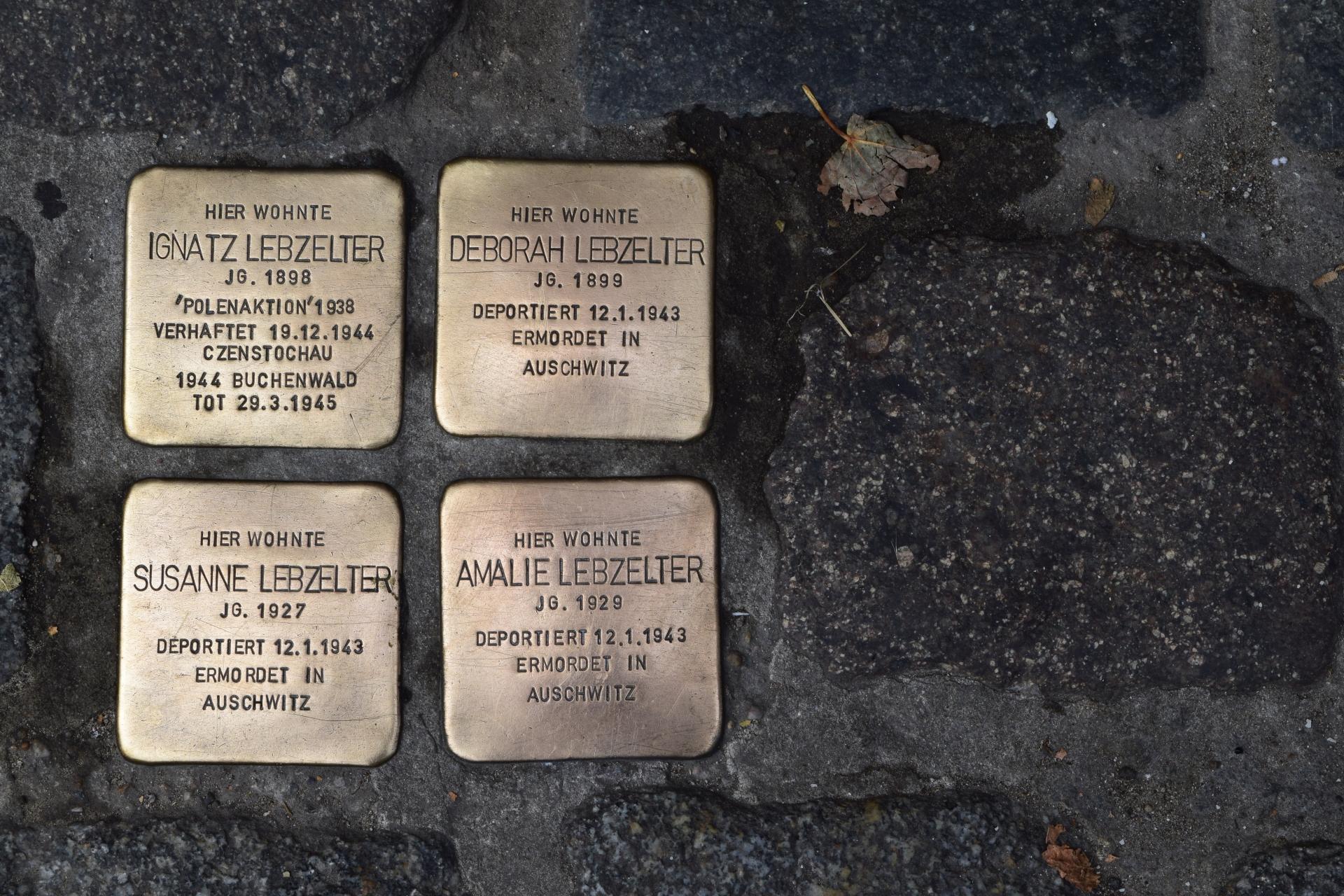 Putzpatenschaft für Stolpersteine übernommen