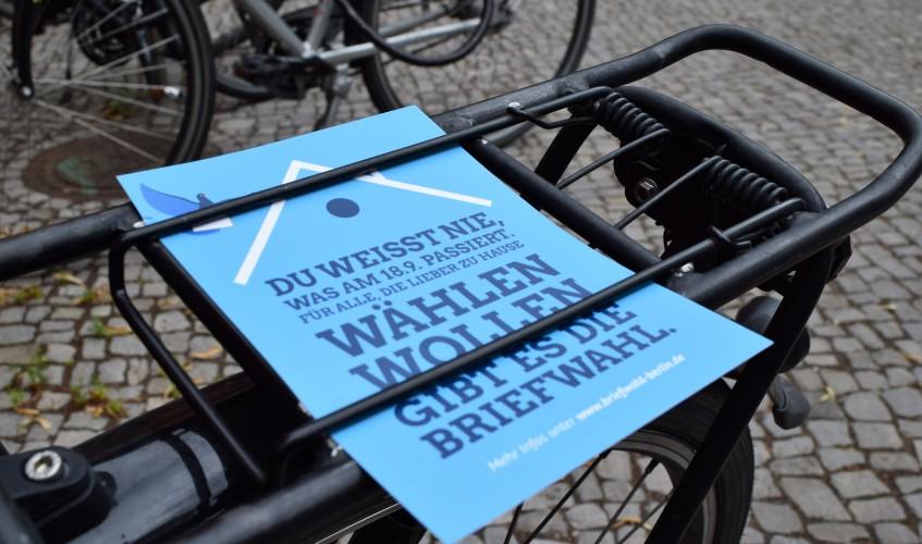 Aktion-Briefwahl-Mensa-Nord-in-Berlin-Mitte-Image-Katharina-Franziska-Kremkau-Silke-Gebel-MdA-CC-BY-4.0