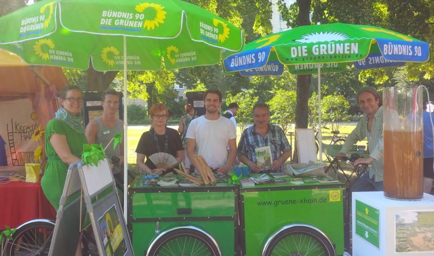 Grüner-Stand-beim-Luisenstadtfest-in-Berlin-Mitte-Urheber-unbekannt